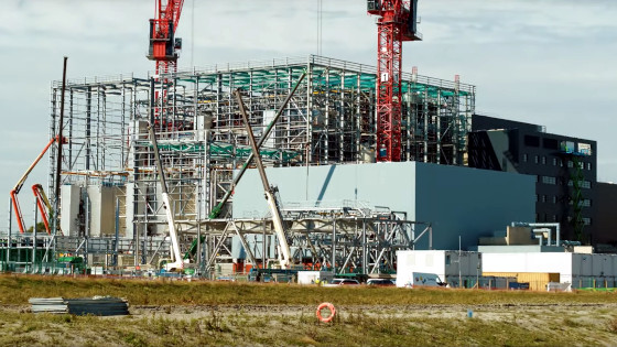 Budowa spalarni Rookery South Energy Recovery Facility w Bedford w Anglii