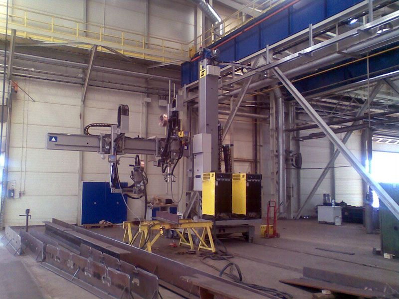 Welding machine: SAW-Submerged arc welding station with horizontally fixed boom and equipped with two side welding carriages A6S Arc Master HD powered by LAF 1250 - ESAB CaB 460C Basic Station 3
