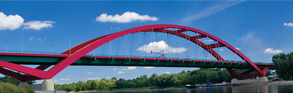 "<div style=""font-weight:bold; font-size:120%;"">The John Paul 2nd Bridge over the Vistula river in Pulawy, Poland</span>"
